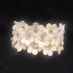 Jewelry - Rhinestone Flower Bracelet